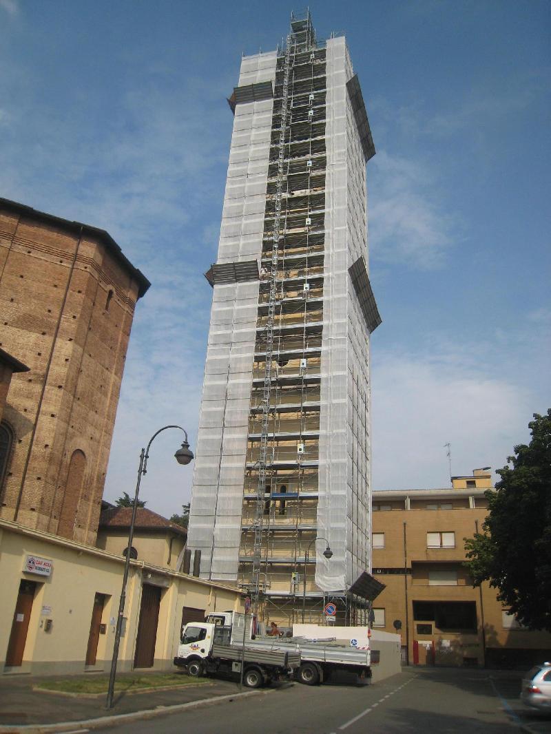 Magenta campanile